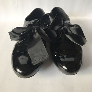 Black Patent Leather Bow Flats by Me Too